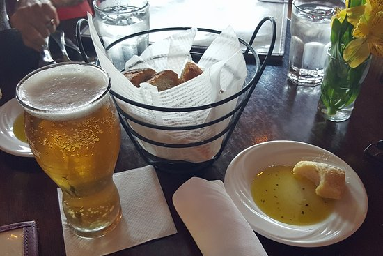 Frank Guido's Little Italy: Good Beer and Italian Bread Snacks