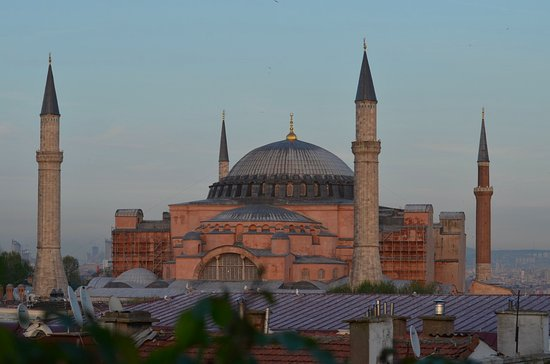 White House Hotel Istanbul: view of Ayasofya (Haghia Sophia) from breakfast room on the top floor.