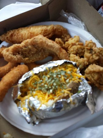 Douglasville, GA: Oysters perch and hush puppies