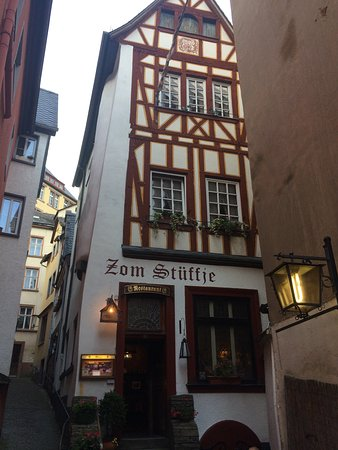 Zom Stuffje: Lovely old building. The food&wine unfortunately aren't so good