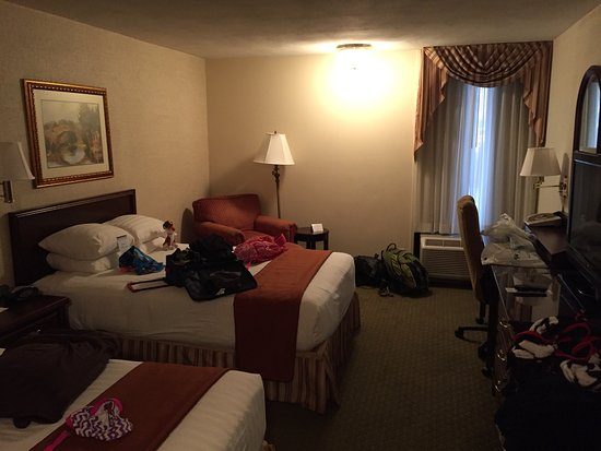 Drury Inn & Suites St. Louis Fenton: photo0.jpg