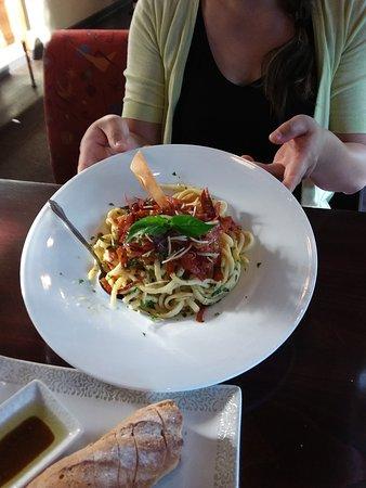 Salem, Oregón: Yummy bacon and noodles