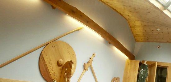 Gudvangen, Norwegia: Decoración vikinga de la habitación