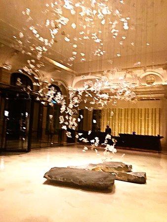 l 39 oiseau blanc restaurant the peninsula paris l 39 oiseau blanc restaurant. Black Bedroom Furniture Sets. Home Design Ideas