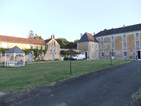 Savigny-Lévescault Photo