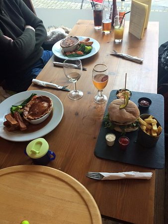 Henry's: Good pub lunch