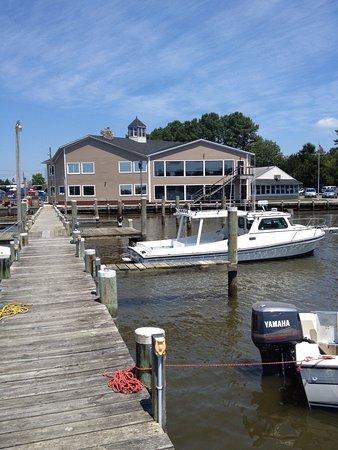 Hurlock, MD: Restaurant from dock