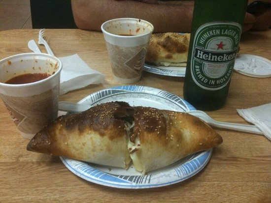 New City, NY: Calzones to die for.