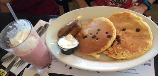 Hingham, MA: Chocolate chip pancakes