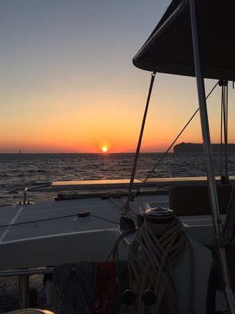 Santorini Sailing: Fabulous time on Horizon with a great group of people.