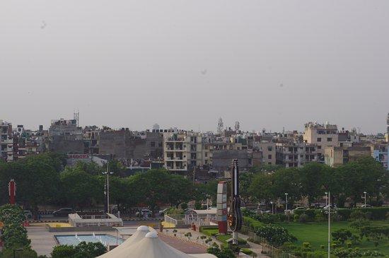 Hilton Garden Inn New Delhi / Saket: 3rd floor view of the city