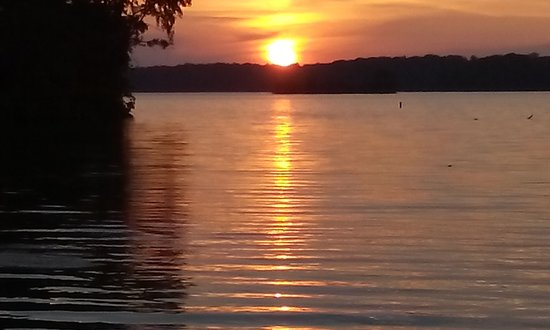 Cowan Lake State Park: Sunset on Cowan Lake
