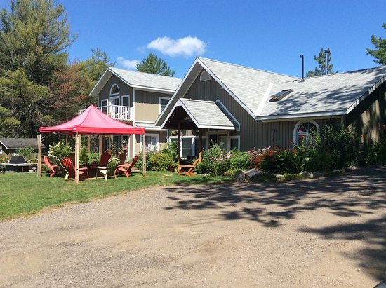The Muskoka Rose Guest House and Retreat Photo