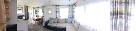 Thorpe Park Holiday Park - Haven: Deluxe. Lovely and clean. Plenty Space for 2 adults and 3 kids