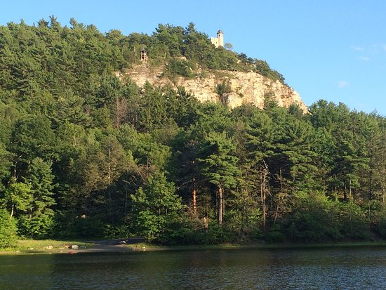 Mohonk Mountain House: Looking across the lake to the Tower. Trails lead up there.
