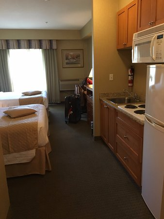 Best Western Plus King George Inn & Suites: very handy kitchenette