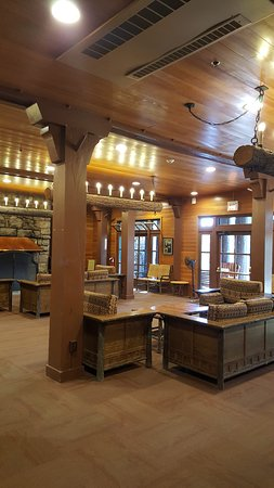 Bryce Canyon Lodge: lobby seating