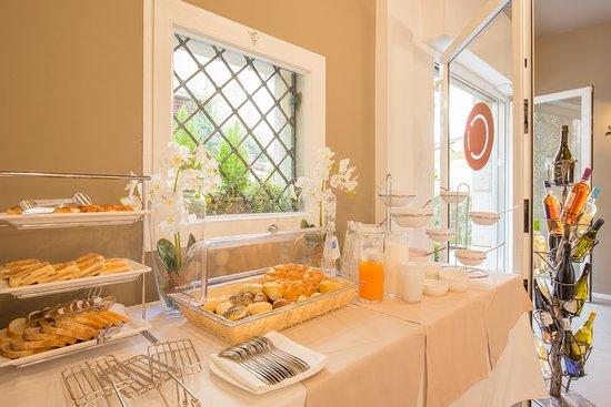 Corte Realdi Luxury Rooms Verona: Breakfast Buffet