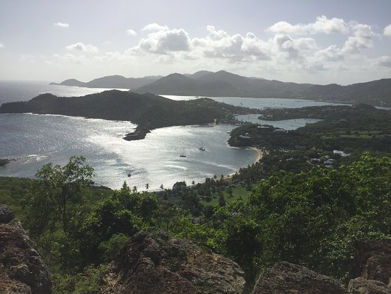 English Harbour, Antigua: Breathtaking view from Shirley Heights