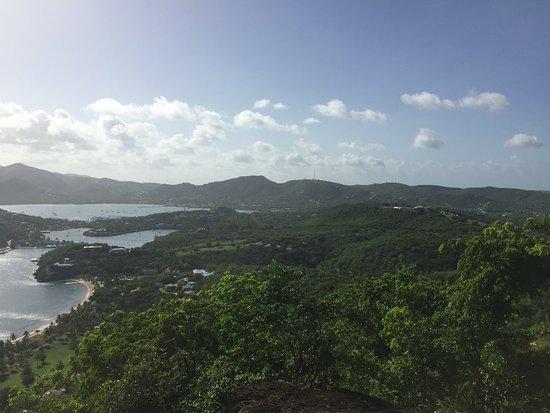 English Harbour, Antigua: Absolute must see views from Shirley Heights