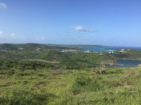 English Harbour, Antigua: Worth the trip views from Shirley Heights