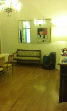Soggiorno Rondinelli (Florence, Italy) - B&B Reviews, Photos & Price ...