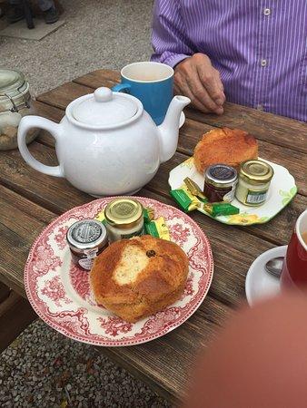 Edensor Tea Cottage: photo1.jpg