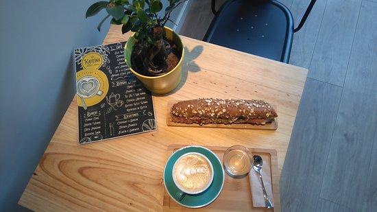 Sopelana, إسبانيا: Cafe LAtte y Flautin