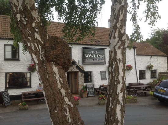 The Bowl Inn: View from the car park
