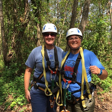 Middleburg, VA: Fun zip lining in the trees