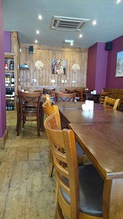 Marple, UK: Eat in or takeaway