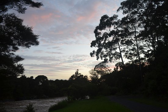 Bay of Islands Holiday park: sunrise