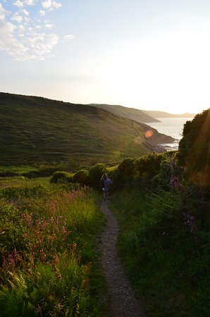 Trebarwith, UK: down the hill