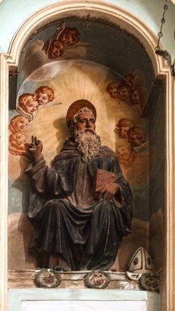 Gubbio, Włochy: Statua di terracotta verniciata a fuoco - S. Antonio Abate - 1511 - Mastro Giorgio Andreoli