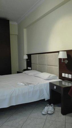 Eleana Hotel: IMG_20160715_153103_large.jpg