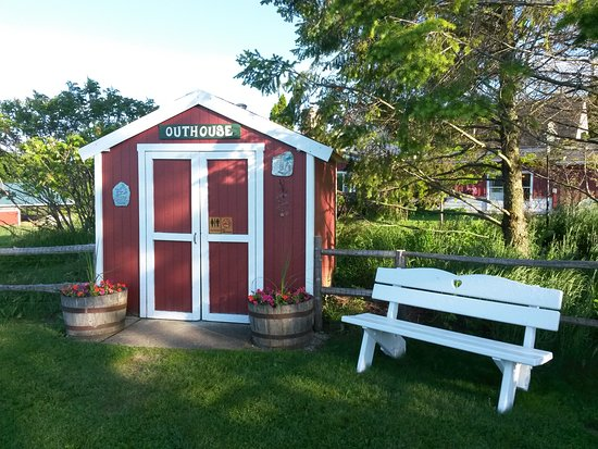 Egg Harbor, WI: Public Restroom - Family Friendly Outhouse!