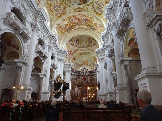 St. Florian, Oostenrijk: Iglesia rococó muy bonita