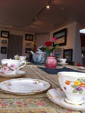 Gigha Gallery: Pots of tea, real coffee and home made cakes!