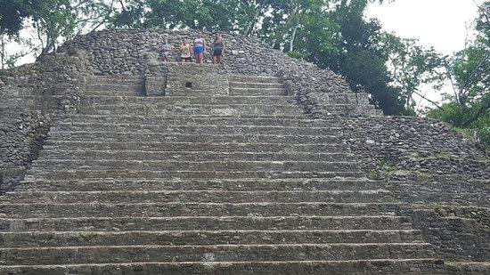 Museo y Ruinas Mayas Cahal Pech: 20160723_120248_large.jpg
