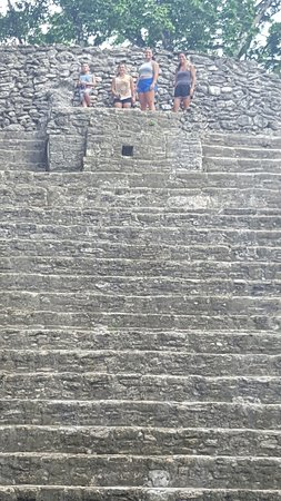 Museo y Ruinas Mayas Cahal Pech: 20160723_120235_large.jpg