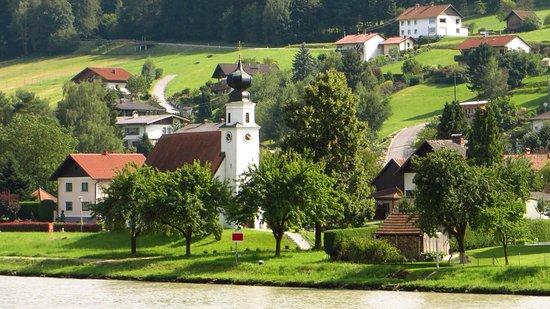 Donauschiffahrt Wurm + Köck: more scenery along the way