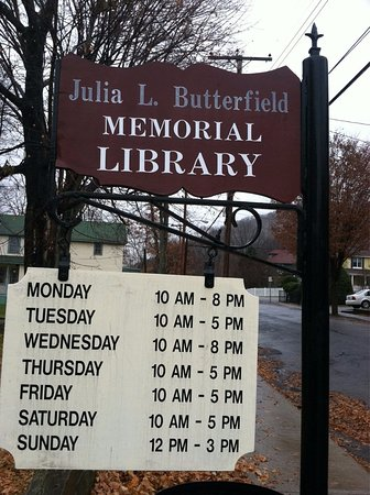 Cold Spring, NY: Hours of the Butterfiedl Library