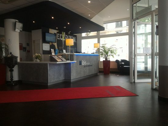 Ibis Budget Issy Les Moulineaux: TA_IMG_20160721_121012_large.jpg