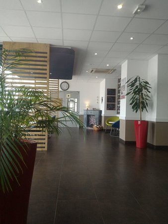 Ibis Budget Issy Les Moulineaux: TA_IMG_20160721_121032_large.jpg