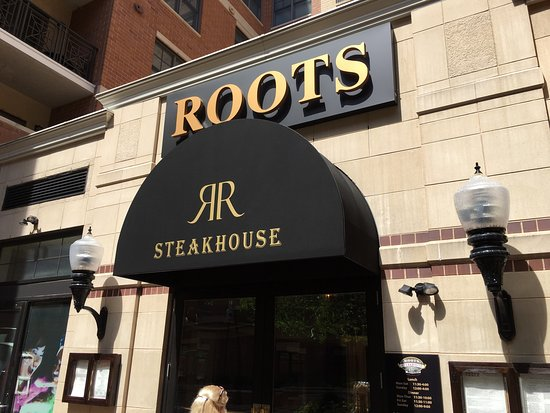 Roots Steakhouse: Great Ambience.