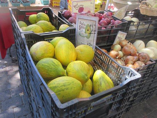 Sunnyvale Farmers Market, Sunnyvale, Ca