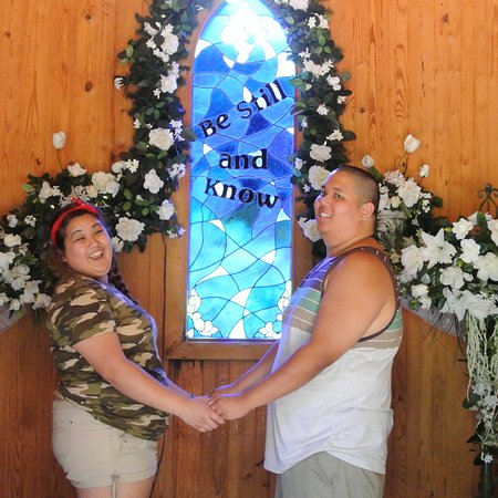 Grand Rivers, KY: wedding chapel fun