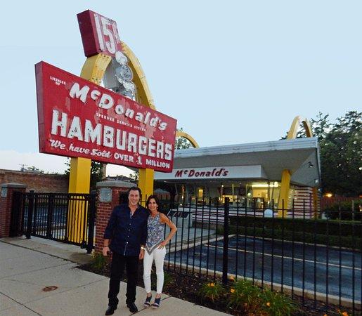 Des Plaines, IL: ROSARIO CASSATA AND CAROLYN CASSATA AT THE ORIGINAL McDONALD'S IN CHICAGO.