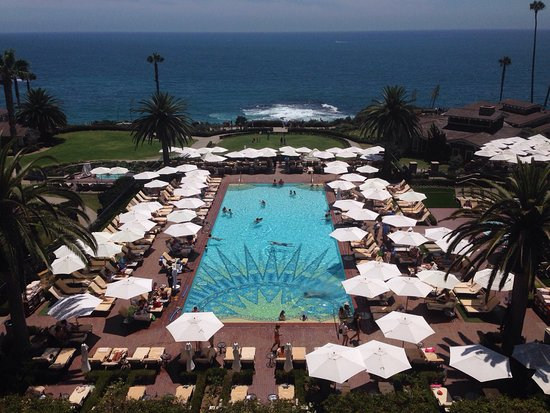 Montage Laguna Beach: Great Pacific views.  Breathtaking in North, South an West views.  We had Sunday brunch on he la