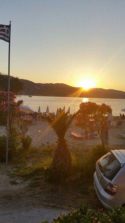 Elpida Hotel: 20150718_203500_large.jpg